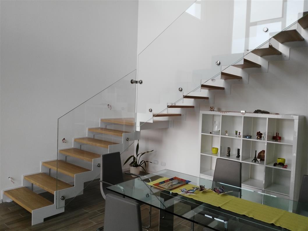 Progetto scale interne mondolfo scale produzione scale a - Scale interno casa ...