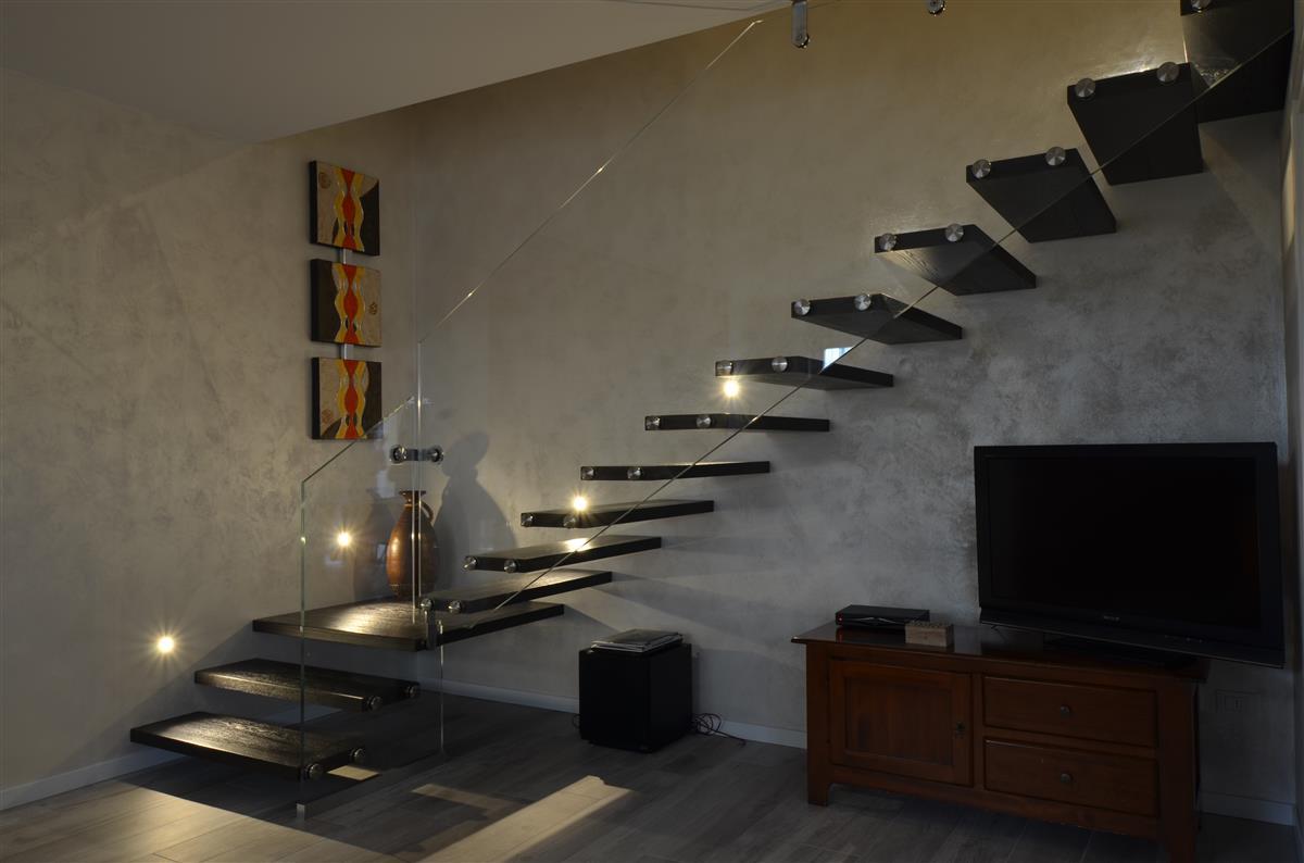 Venetocasa scale scala a sbalzo per interni s73 - Scale per casa ...