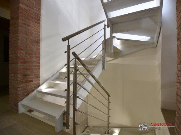 Venetocasa scale scale interne in legno - Led per scale ...
